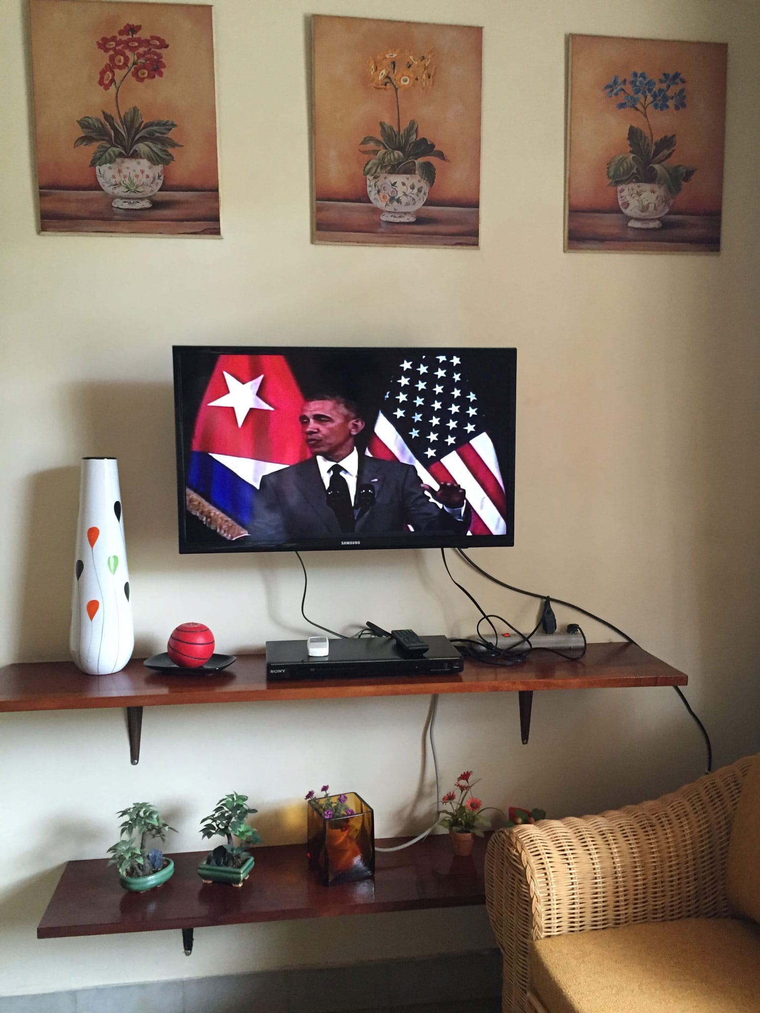 Watching President Obama on Cuban television