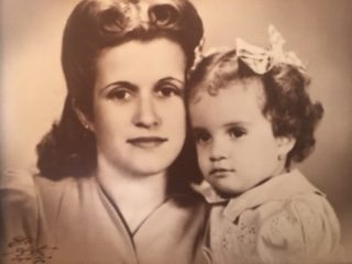 Havana photo from 1944 with María Antonia Rivero Hernández and Eliana Suárez Rivero, mother and daughter.